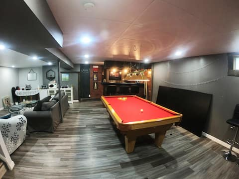 ★ Hideaway in the Hills | Basement | Pool Table |★