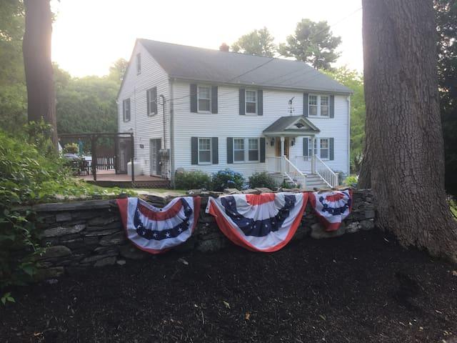 Ellen Elizabeth Estates of New England - Garden
