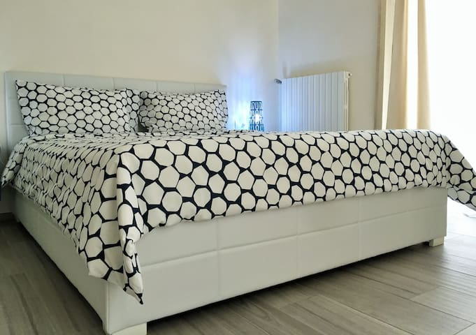 69 accomodation APPARTAMENTO INDIPENDENTE - Polignano A Mare - House
