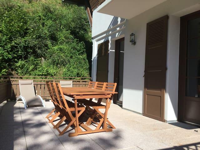 T3****   parking privé sauna terrasse 30 m² wifi