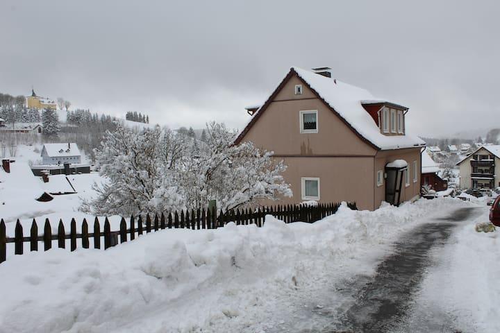Ruim sfeervol huis voor max 13 pers - Sankt Andreasberg - House