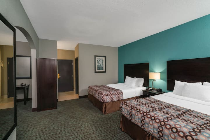 Captivating Room Two Double Beds Non Smoking At Knoxville