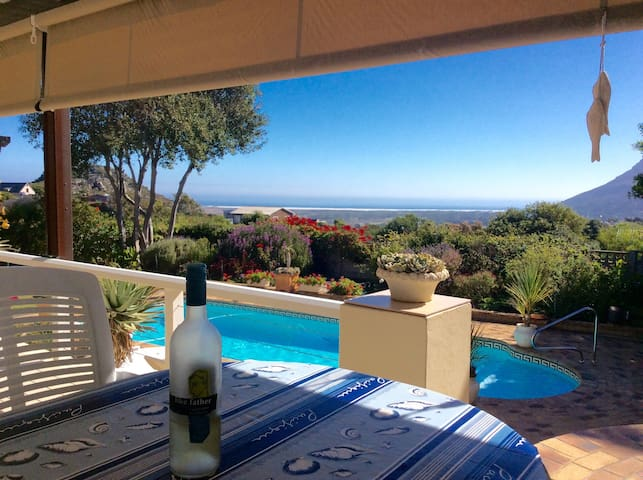 Beautiful Villa with Seaview - Cape Town  - วิลล่า