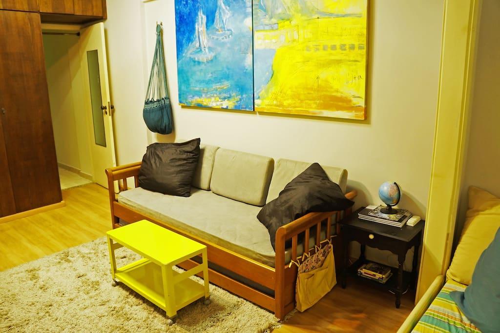 Sala com Sofa-Cama - Living Room with Sofa Bed