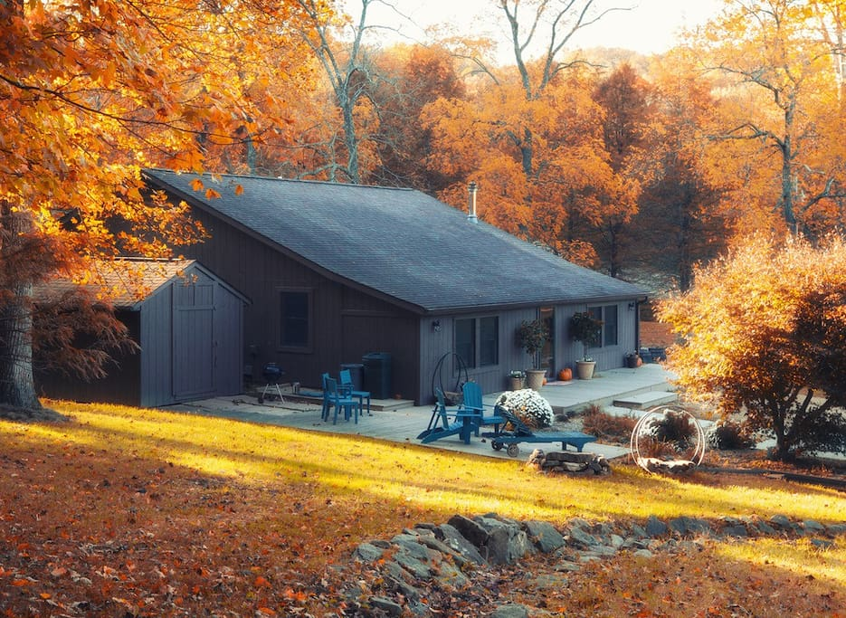The Loft is a spacious home with a lovely wrap around deck for grilling out and entertaining. It is located in the heart of the property, which is nestled into the Shawnee National Forest.