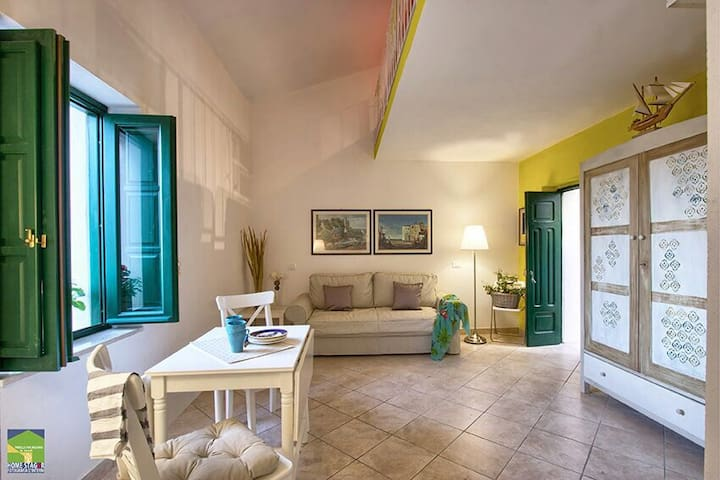"""Prenota il tuo soggiorno con noi a """"Casa di Basso"""" - San Nicola Arcella - Dom"""