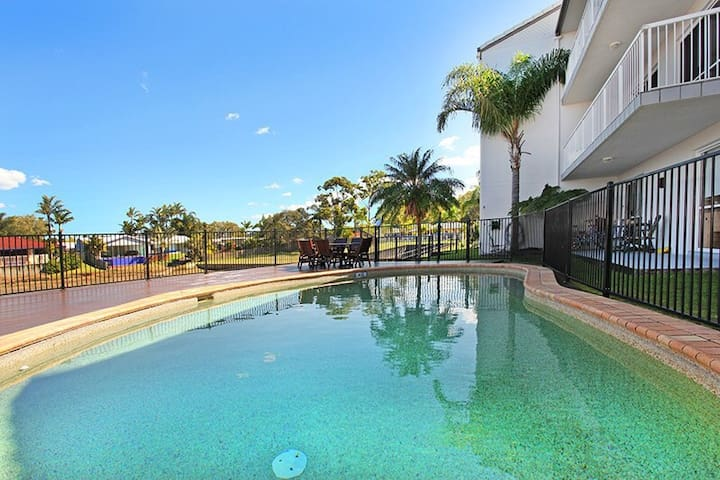 Five minutes from the beach - Mooloolaba - Bed & Breakfast