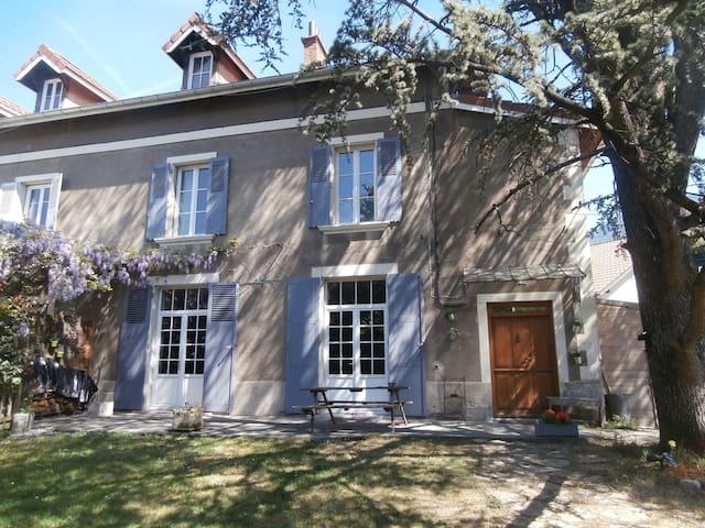 Maison au pied de la Chartreuse, proche Grenoble