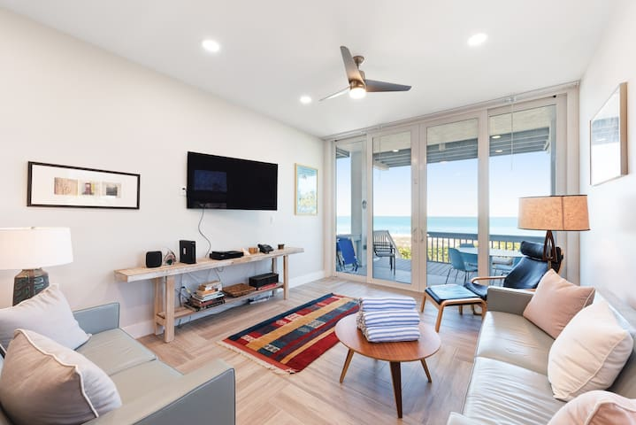 Beachfront condo w/ two decks, Gulf views & shared pool - walk to the trolley!