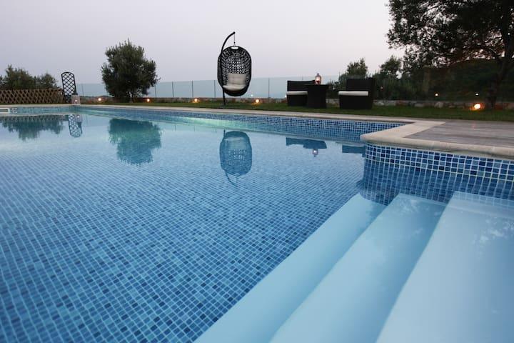 Luxury Holiday Villa in Skiathos, villa Cassiopee
