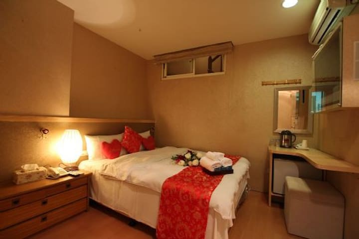 Two-people room with boat tickets-Tanxiang Hotel