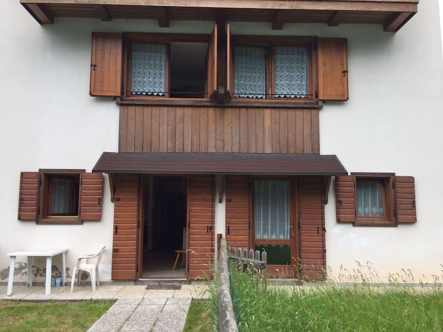 Casa sul lago auronzo case in affitto a auronzo di for Casa sul lago a 2 piani