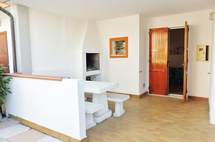 Three rooms holiday house with private garden