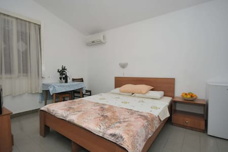 Standard DOUBLE Room in Petrovac - Palm Gardens - Petrovac - Apartment - 1