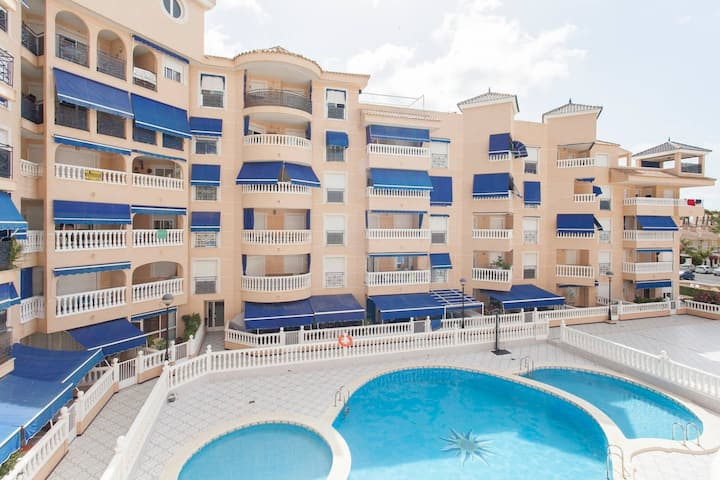 Apartment with pool near to the beach
