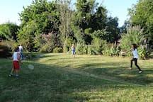 Détente...jeux, terrain de boules, Toboggan..
