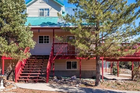 Three Story Cabin near Pine Valley & St George - Central - 独立屋