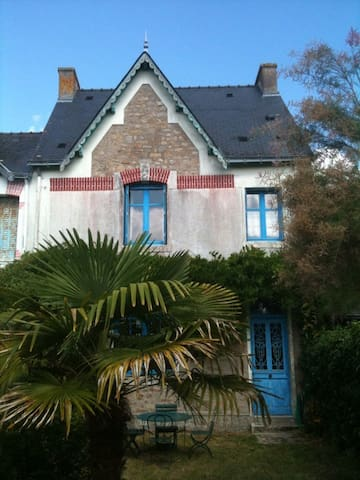 Maison sur une île, paradis pour les enfants. - Île-d'Arz - House