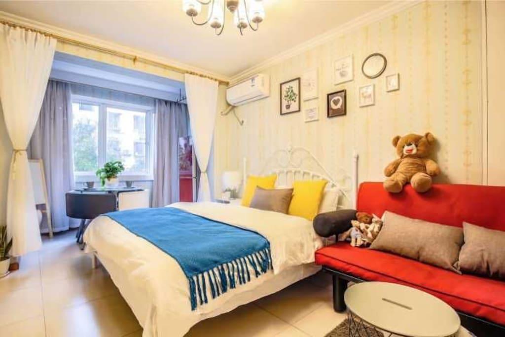 沙发为1.5米宽,可做沙发床用