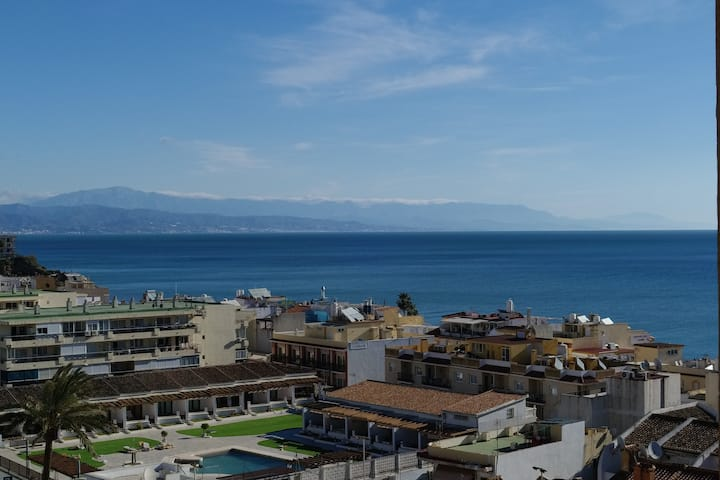 Studio vue mer à 50m de la plage de La Carihuela