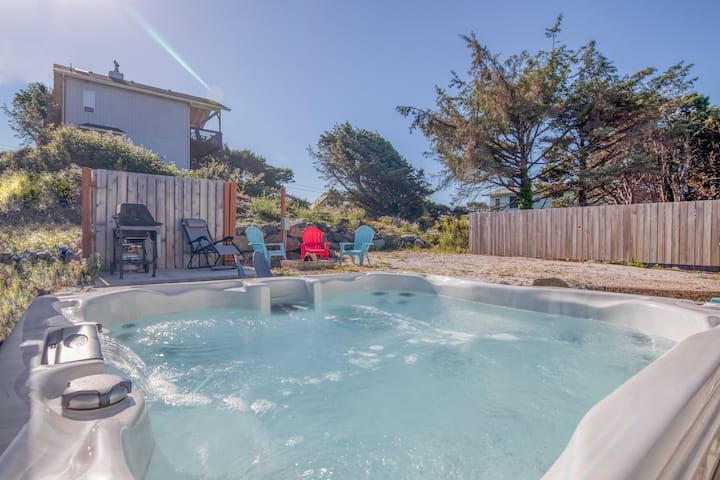 Beautiful Olivia Beach Home with a Hot Tub and Fire Pit
