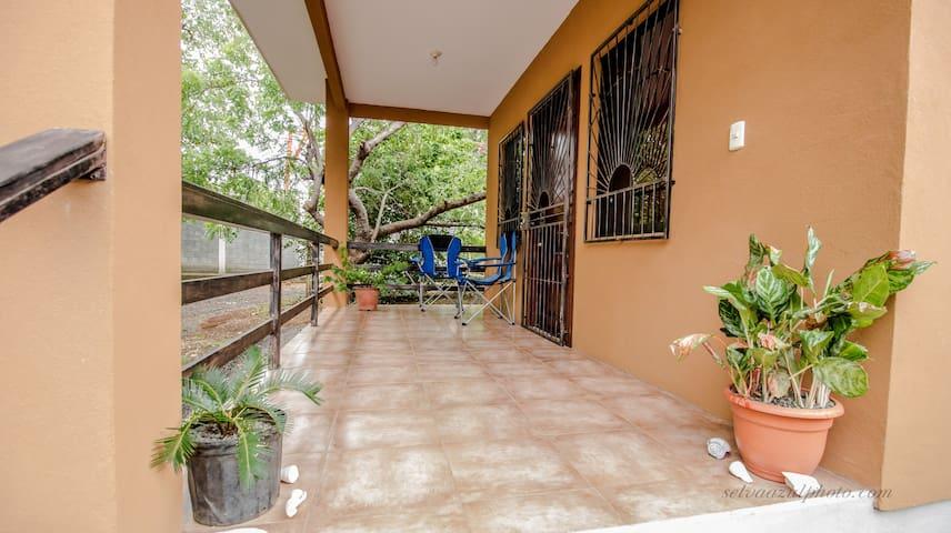 Las Cabinas de Maria 2 - Playa Avellanas - Rumah