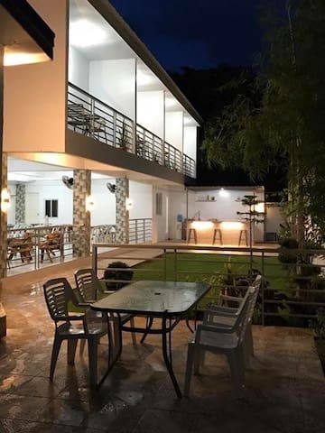 Vet's Farmville Resort (Whole)