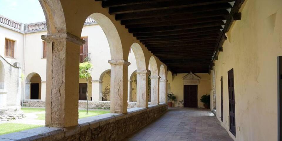 Casa Convento Monjas de Clausura