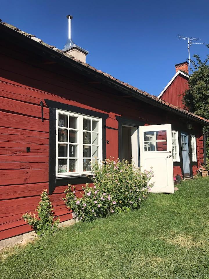 Bo på en å-gård i centrala Arboga