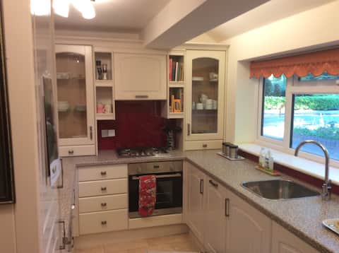 Quiet fully equipped and furnished separate flat