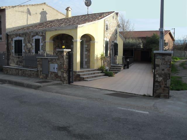 Casa Vacanza S.Teodoro Via Sardegna - San Teodoro - Dům