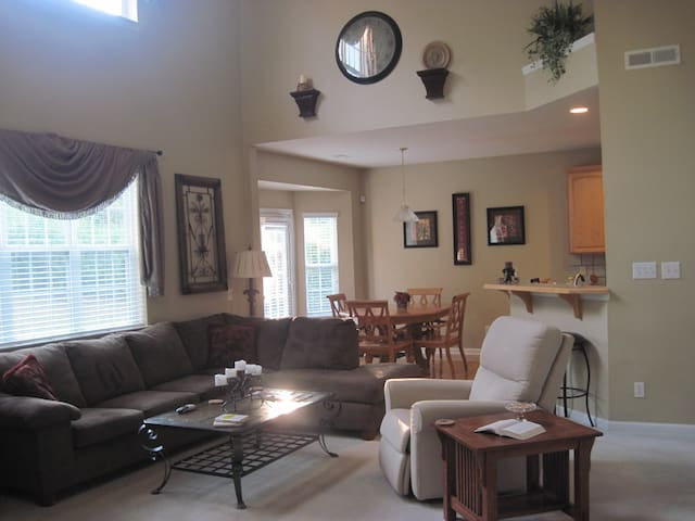 Ballantyne Home Lots of Room & Close to everything