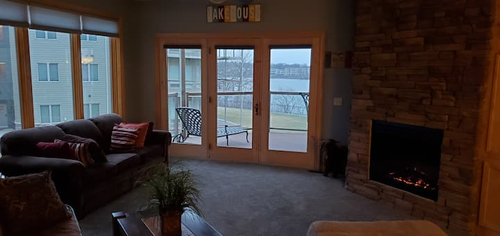 Family Friendly Condo Right On East Lake Okoboji