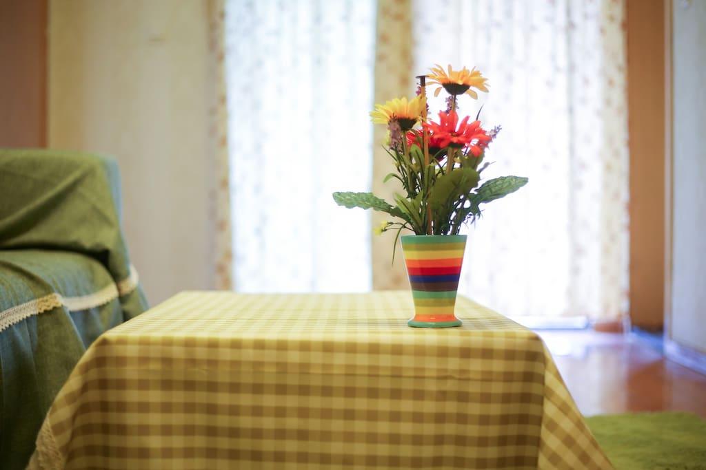 茶几和花瓶
