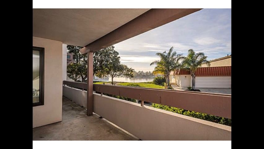 Charming condo with a great view - San Mateo