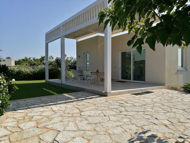 """Villa fronte mare """"La Conchiglia"""""""