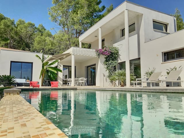 Superbe Villa moderne entre Nimes et Montpellier