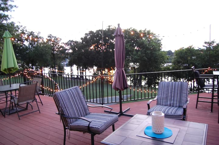 Largest Eufaula Lakefront Rental w/ Outdoor Living