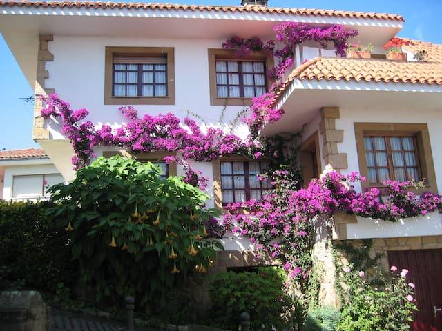 Vivienda en el nucleo urbano de Tazones - TAZONES- (Villaviciosa)