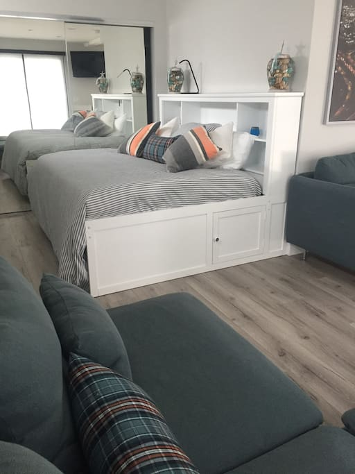 Brand new studio apartment JUST LISTED - Full size daybed