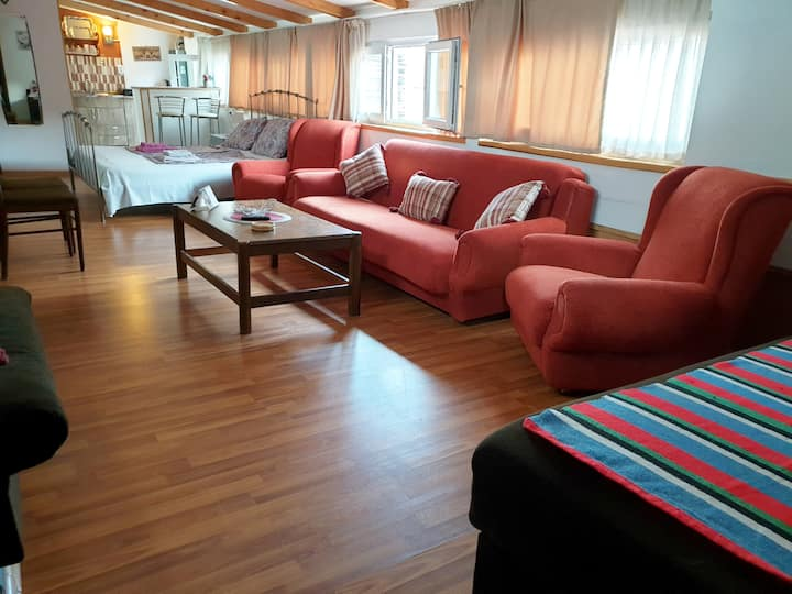 *20% OFF* No Cleaning Fee* Best Location Apartment
