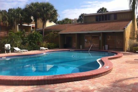 Apartment Close to the Beach - Sarasota