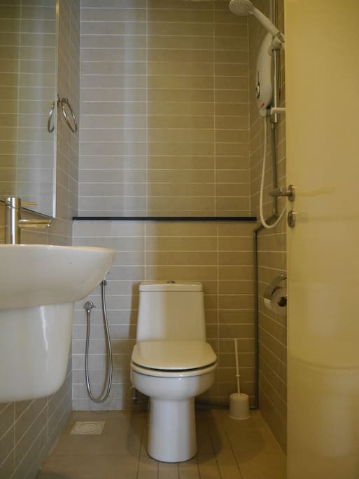 Private bathroom which detached to the room