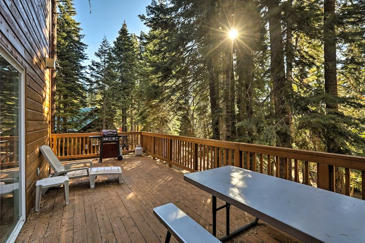 NEW! Rustic Tahoe Home w/Hot Tub Near Squaw Valley