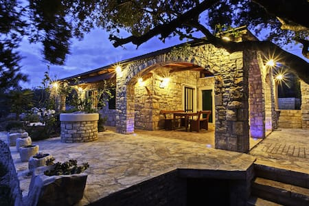 Stone House San Pelegrin-Two Bedroom Holiday Home with Terrace and Sea View