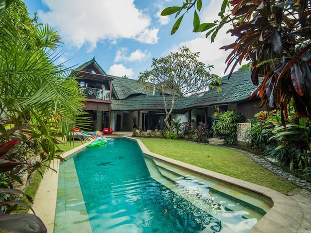 Villa Timang in Heart of Jimbaran - South Kuta - Villa