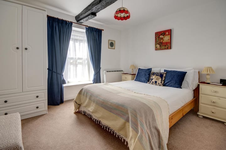 Cosy and Comfortable Apartment Cirencester
