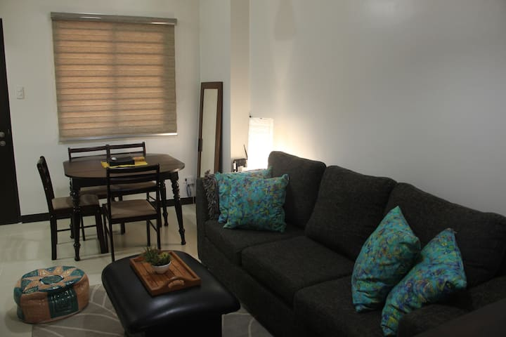 Relax in 2 BR cozy condo w 1 prkng - Muntinlupa - Apartment