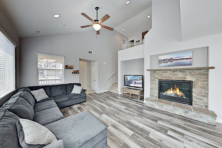 Modern Retreat with Game Room, Near Slopes & Lake