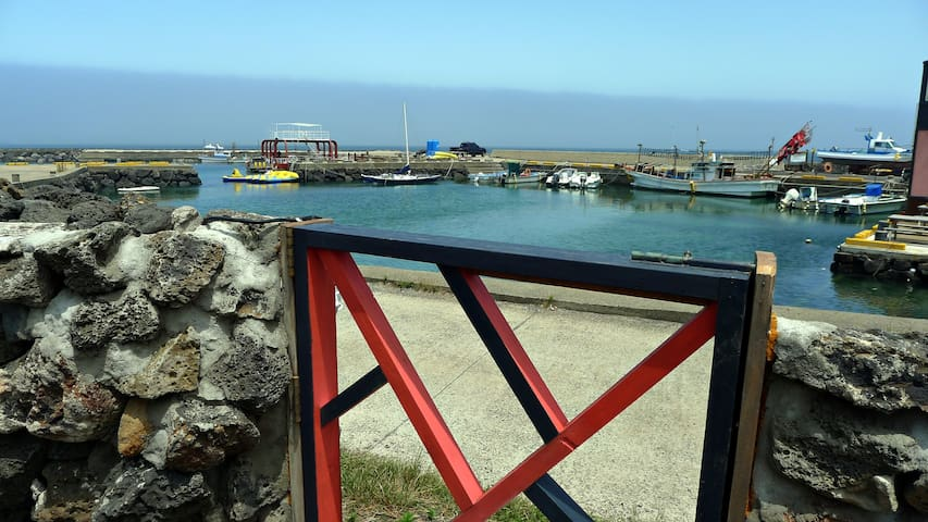 바다 앞 2인실 독채 협재해수욕장 비양도전망 - Jeju-si - Hus